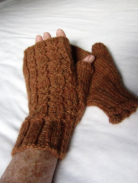 KC Knit Cable Rib Mitts