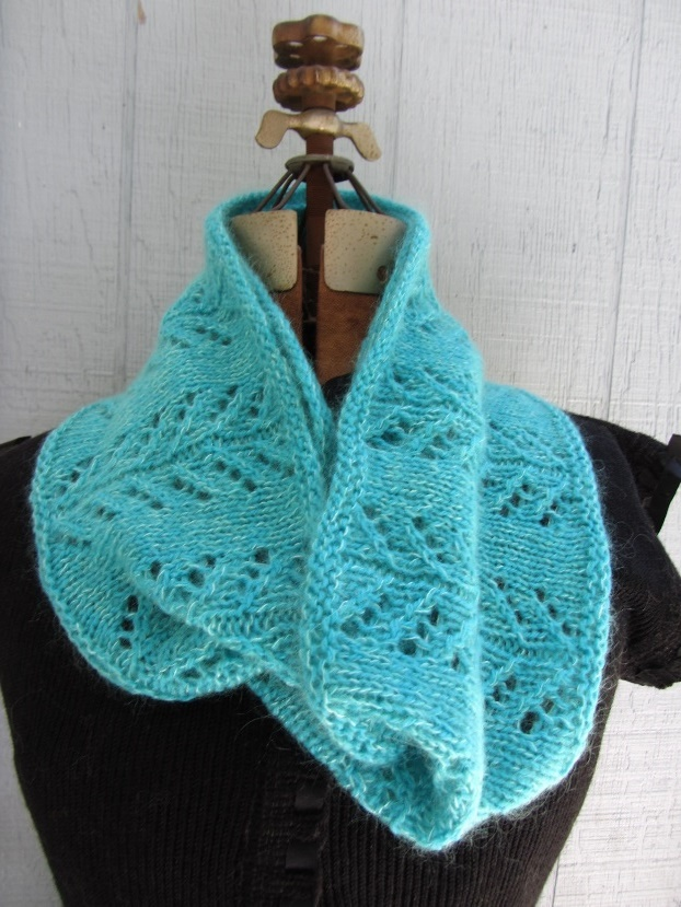 KC Knit Gull Wings Cowl photo