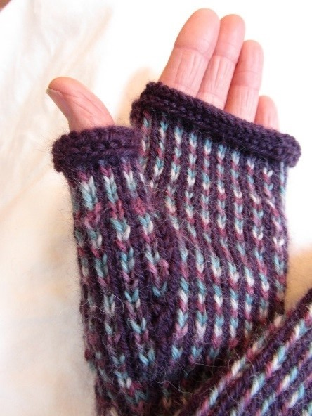 KC Knit Mitts with a Twist photo